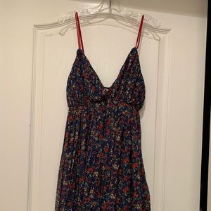 Dresses & Skirts - Navy floral dress from small California boutique